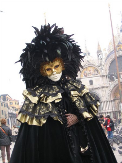Black Feather Venetian Mask - Venice Carnevale